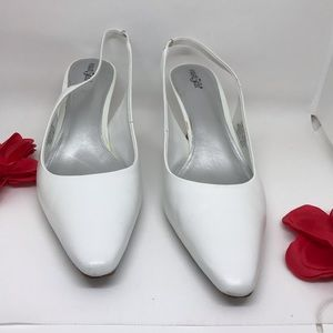 WOMEN'S WHITE SLINGBACK HEELS SHOES FROM EAST5th.
